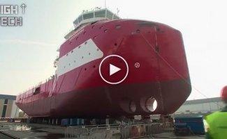 Как большие корабли спускают на воду