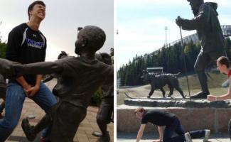 25 приколистов, без которых было бы скучно смотреть на статуи (26фото)