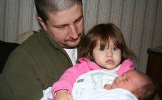 С чего начинается ревность: малыши не слишком-то рады своим новым братьям-сестрам (25фото)