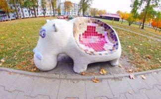 Самые необычные уличные скамейки (23 фото)