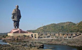 Какие же они огромные: самые большие статуи в мире (20фото)