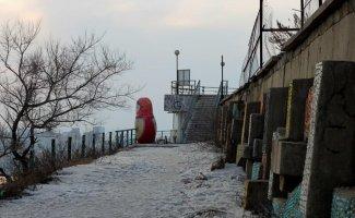 Русская Барби: матрёшки во дворах и в общественных пространствах (30фото)